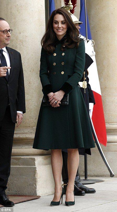 Kate arrives at the Elysée in Paris