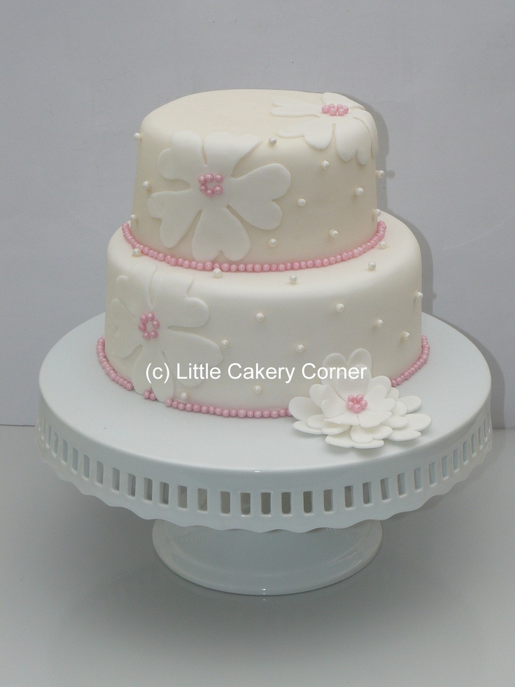 A beautiful for anyone who loves pink, flowers and pearls!  Lovely for a birthday, wedding or even a little girl's Christening cake.