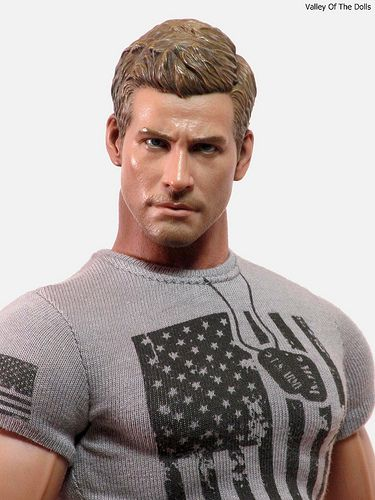 Jake Gyllenhaal Action Figure. / The doll art is awesome but I just don't think it looks like Jake G.