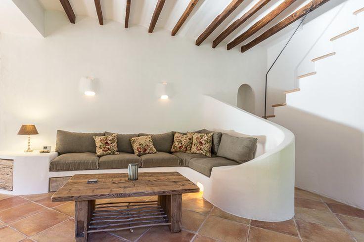 Built-in sofa in Can la, Deia,  by Moredesign.es