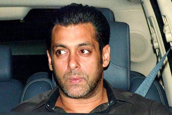 Salman Khan stands up for Sanjay Dutt