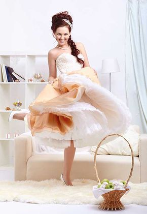 Mit unserer Petticoat nähen - Anleitung werden Sie aus einem einfachen Sommerkleid ein Designerkleid machen. Mit ein wenig Übung werden Sie es schaffen.