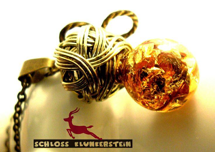 DOUBLE INFINITY Kette GlasKugel 18 Karat Blattgold von Schloss Klunkerstein - Uhren, von Hand gefertigter Unikat - Schmuck aus Naturmaterialien, Medaillons, Steampunk -, Shabby - & Vintage - Schätze, sowie viele einzigartige und liebevolle Geschenke ... auf DaWanda.com