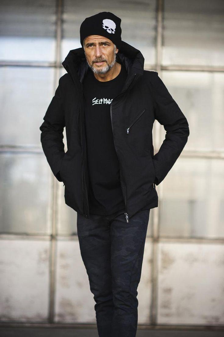 ダウンジャケット 8万9000円/ザ ヴィリディアン  月刊誌『LEON』から誕生した「モテる」お店やスポット情報満載のウェブマガジン。時事ネタはもちろん、時計、クルマ、ファッションに関する独自の特集がウリ。すべての男性の遊びのネタ帖です。