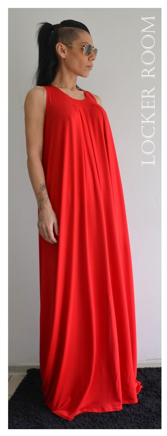 Maxi Kleid / lose rot Kleid / extravagante von ClothesByLockerRoom