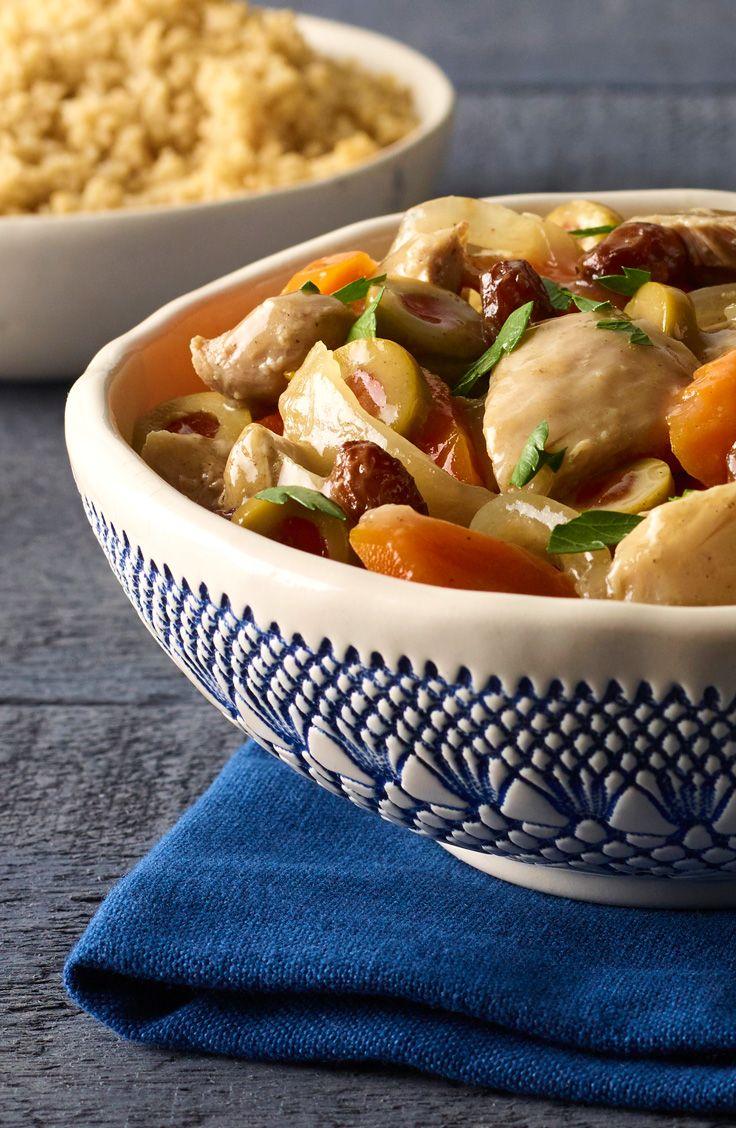 Voici une recette qui se fait par elle-même! Seulement besoin de tout mélanger les ingrédients et hop, dans la mijoteuse. Knorr vous propose ce tendre poulet à la marocaine!
