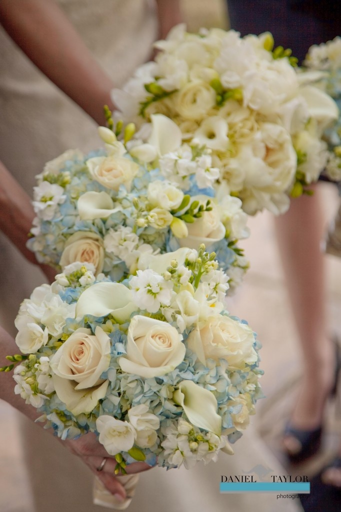 Roses, calla lilies and hydrangeas create soft, delicate bouquets (Daniel Taylor Photography)
