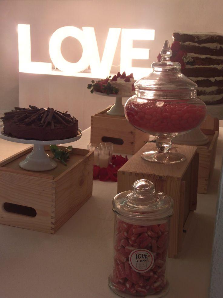 Candy bar con cajas madera