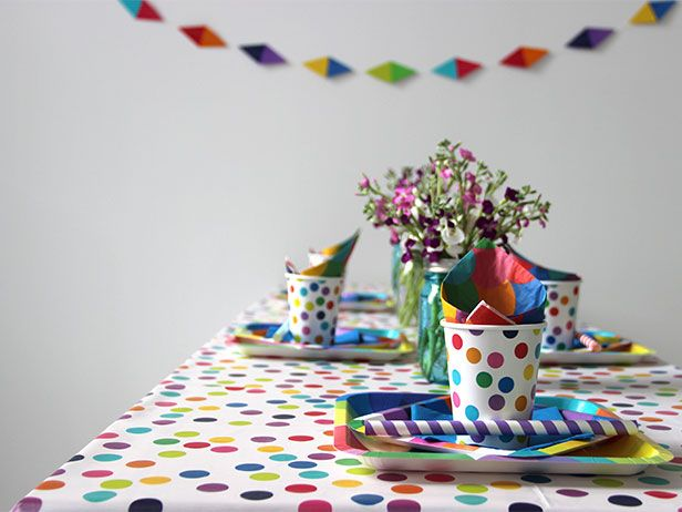 Colorful, Quick and Easy (and Cheap!) Mother's Day Brunch Ideas >> http://blog.diynetwork.com/maderemade/2014/05/09/quick-and-easy-ideas-for-a-mothers-day-brunch/?soc=pinterestBright Ideas, Cheap Brunches Ideas, Colors Parties, Easy Ideas, Clever Ideas, Entertainment Ideas, Floral, Diy Projects, Birthday Ideas