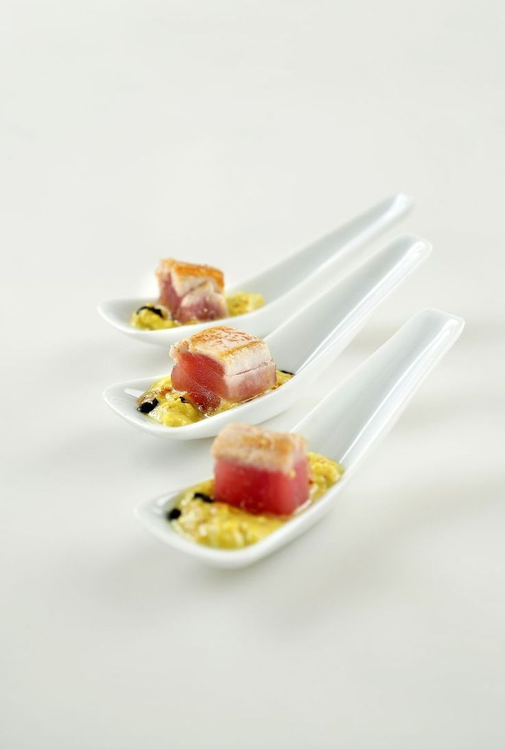 Hapje met gegrilde tonijn