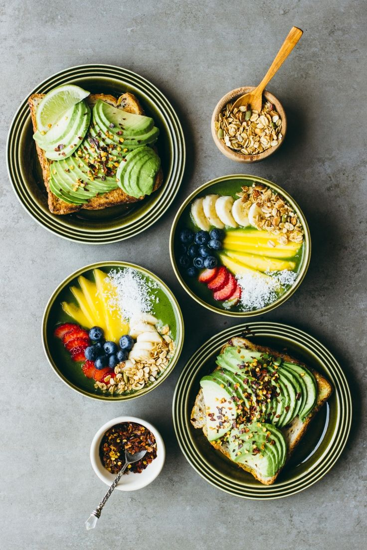 green smoothie bowls, avocado toast & chilli flakes