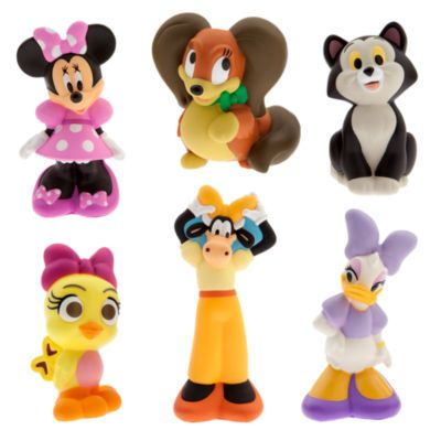 Bring a splash of Minnie Bow-Tique fun to bathtimes. This Minnie Mouse bath toys set contains six squeezy, splashproof figures of Minnie and friends, together with a handy storage case.