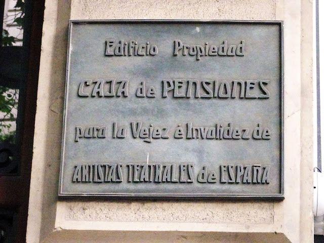 Redescubriendo Barcelona Y Más Allá 02 05 2019 Placa Caja De Pensiones Para La Vejez E Cajas Pension Placas