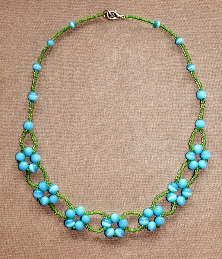 Free pattern for necklace Blue Flowers