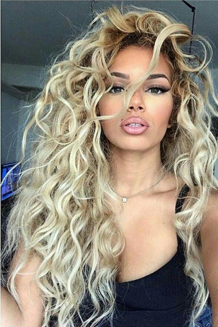 Mélissa ❤️ #hair #hairstyles #curlyhair #chev…