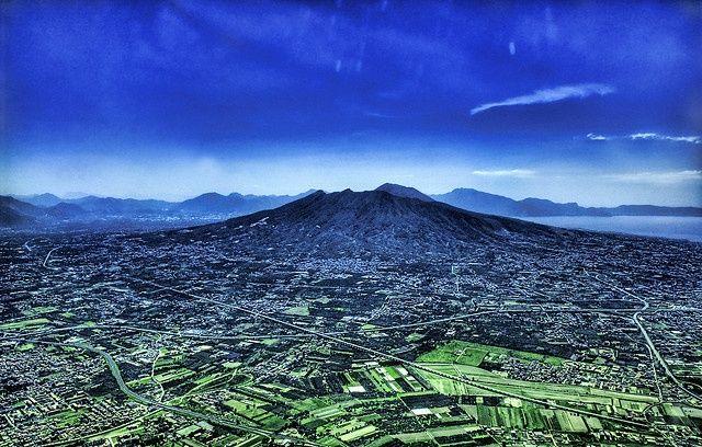 Mount Vesuvius from the Sky Il Vesuvio visto dal cielo  #pompeii #vesuvius #vesuvio #faunopompei #travel #italy #napoli #volcano #night #mountvesuvius #pompei #mountain #excursions #travel #italy #naples #bay #sunrise #sky
