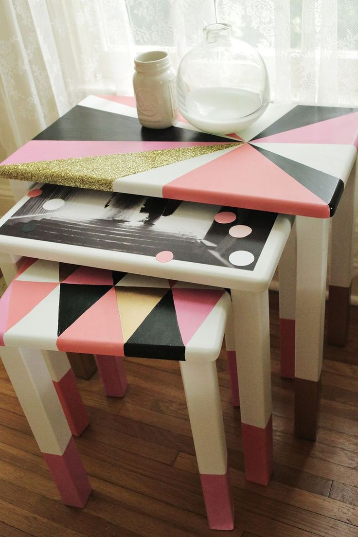 Love these! (bonus: the color palette is awesome) | DIY Geometric Nesting Tables via abeautifulmess.comDecor Nests Tables, Diy Geometric, Crafts Ideas, Diy Nests Tables, Diy Tutorials, Geometric Nests, Painting Tables, Glitter Painting, Geometric Crafts