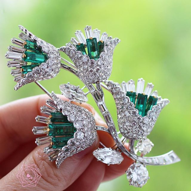 Stunning brooch van cleef & arpels on sale in Monaco by @artcurial__ on…
