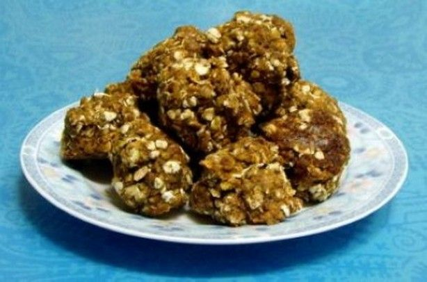 These low-fat pumpkin cookies are great for the fall holidays and make a healthy after-school snack for the kids too.  You can soak the raisins in water if yo(...)