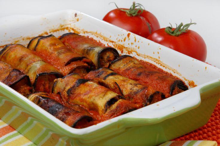 Místo sýrrů tofu, bez rajčat. použít např, omáčku čočkovou, rajskou z červené řepy a pod... Zapékaný lilek http://www.svet-zdravi.cz/recepty/zapekany-lilek