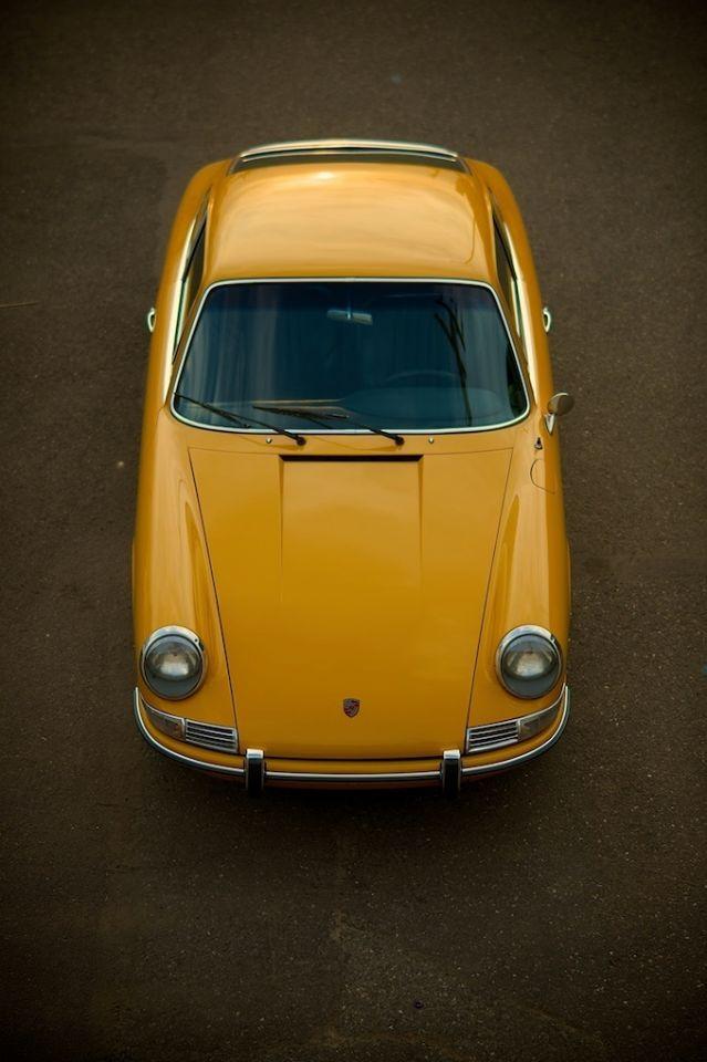 brolleniumfalcon:  Porsche in Mustard