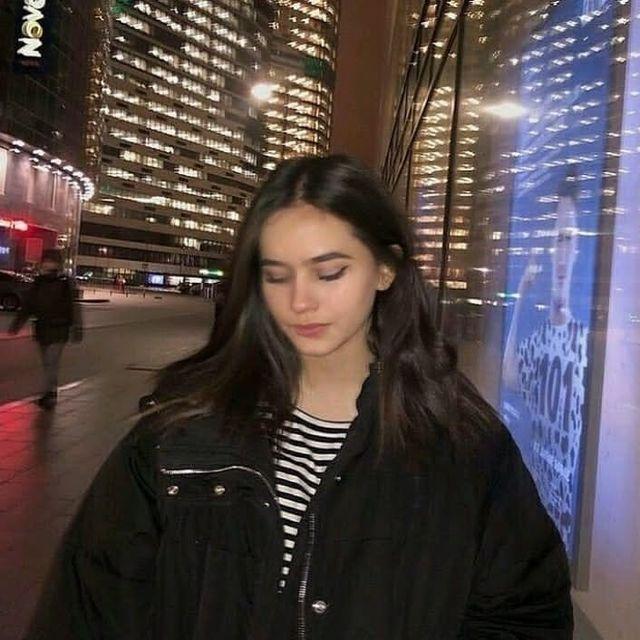 Pin By يا اجمل الشعر البديع On افتارات تصميم Aesthetic Girl Teenage Girl Photography Girl Icons