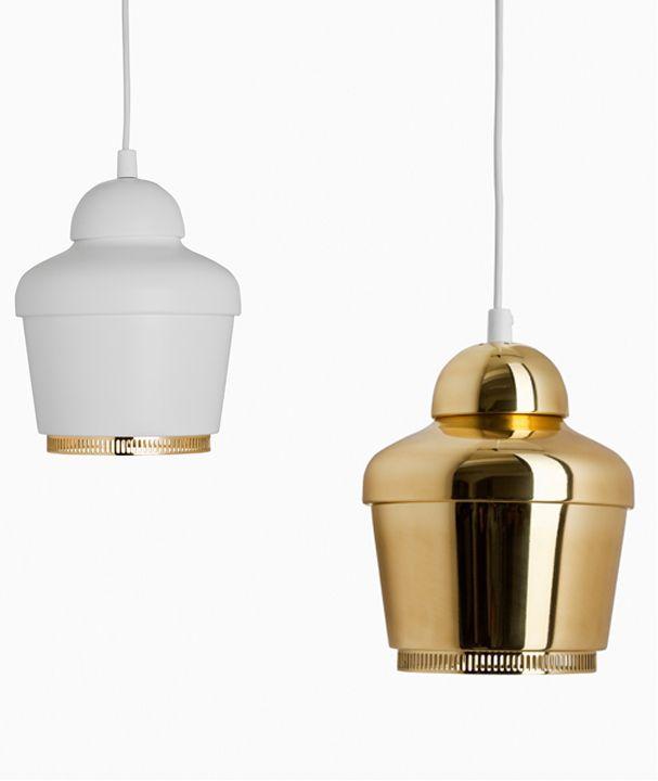 Fluorescent brass pendant #lamp A330 by Artek | #design Alvar #Aalto (1954) #golden