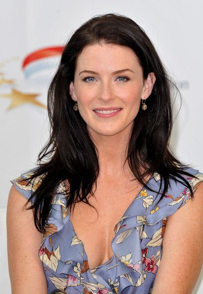 Bridget Regan Photos - Actress Bridget Regan poses at a photocall for the TV series 'LEGEND OF THE SEEKER' during the 2010 Monte Carlo Television Festival held at Grimaldi Forum on June 8, 2010 in Monte-Carlo, Monaco. - 50th Monte Carlo TV Festival - Day 2