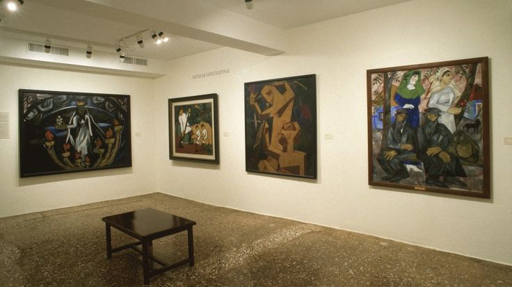 Installation view: Amazons of the Avant-Garde, March 1–May 28, 2000. Peggy…
