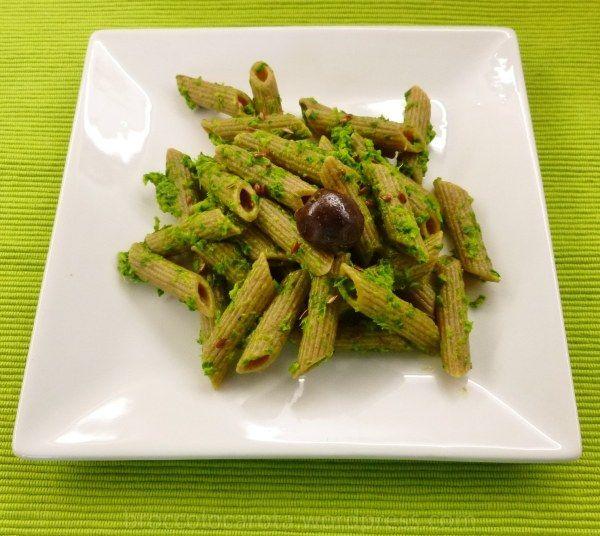 pasta integrale di farro con salsa di foglie di sedano