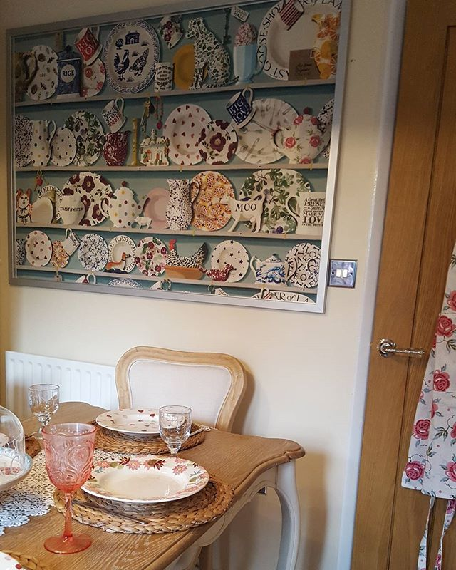 Decided not to wallpaper the whole wall. Saved some pennies = happy hubby 😉😍 #emmabridgewater #emmabridgewateraddict