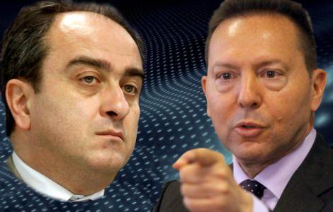 Οι διευκρινίσεις του υφυπουργού Ανάπτυξης κ. Σκορδά σχετικά με την πρότασή του για έναρξη διαλόγου της τρικομματικής γύρω από το πιο καυτό θέμα της κρίσης, τους πλειστηριασμούς κατοικιών, ήρθαν μάλλον για να ... Read more: http://rizopoulospost.com/o-k-stournaras-oneirokriths-tou-efialth-skorda/#ixzz2VQbJw8MT Follow us: @Rizopoulos Post on Twitter | RizopoulosPost on Facebook #politics #greece #economy