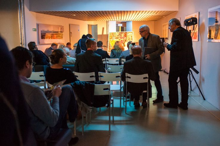 Jubileuszowa aukcja sztuki współczesnej  http://galeria.skytower.pl/relacje.html — w Sky Tower Galeria Handlowa.