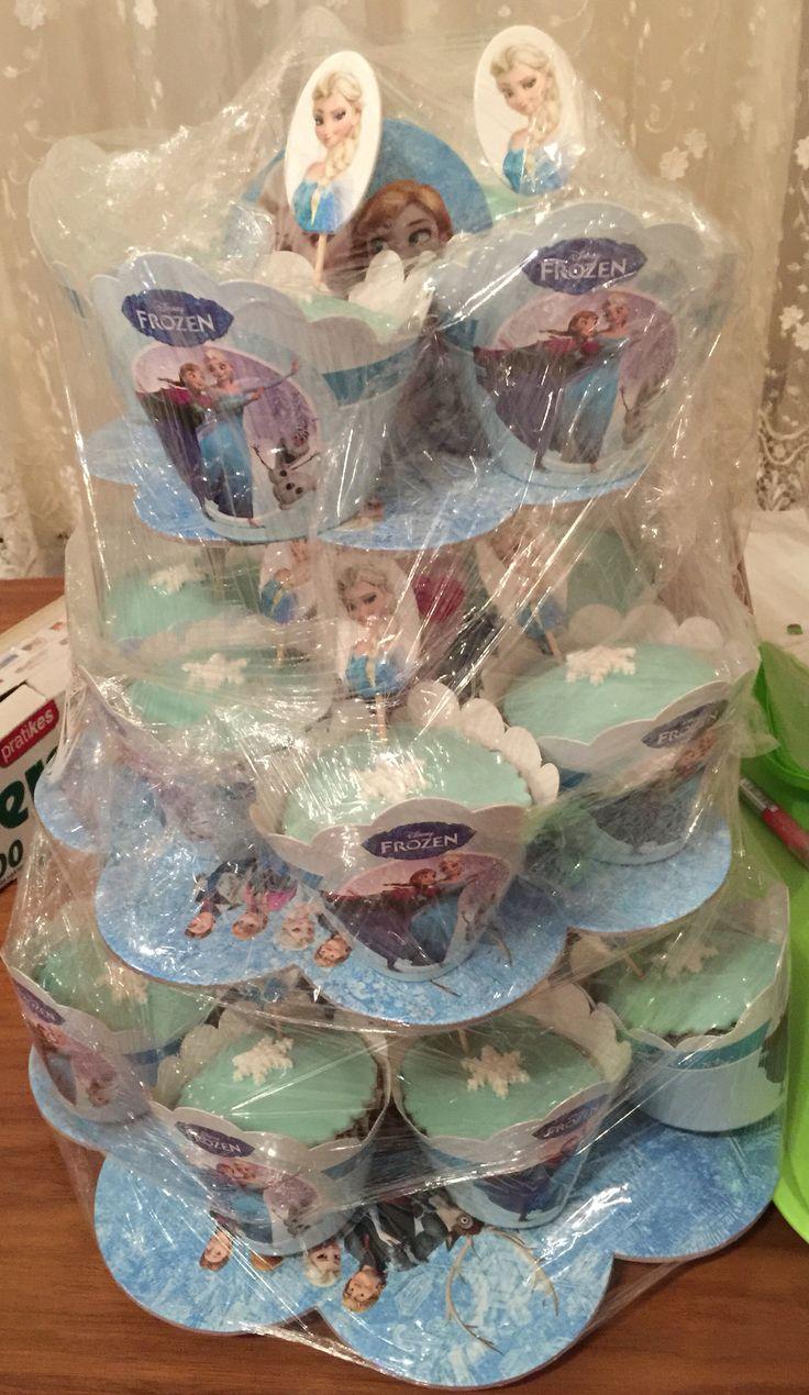 Elsa temalı cupcake #fondantcupcakes #disneyfrozen #elsa