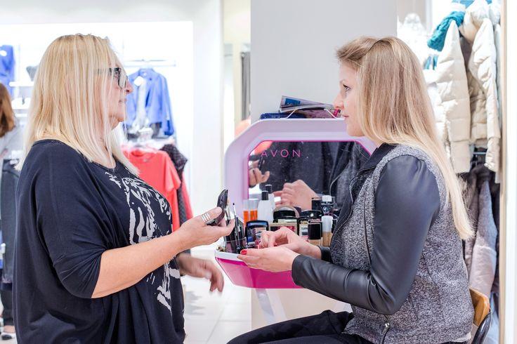 Podczas naszej akcji konsultantki AVON doradzały jak wykonać makijaż odpowiedni do danego typu urody. #cancer #brestcancer #health #fashion #QSQ