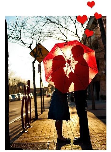 no escurinho escondidinho transparecendo amor pra quem quer que veja