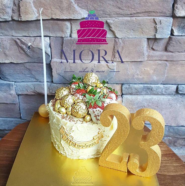 Beyaz çikolata çilekle birleşince bambaşka🍓🍓🍓 #mora #moracakes #birthday #birthdaycake #happy #cakes #cakedesigner #cakeart #pasta #tasarimpasta #butikpasta #istanbul #ortakoy #dogumgunu #kina #nisan...