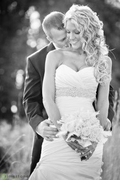 wedding photography.. Love her hair and her dress!