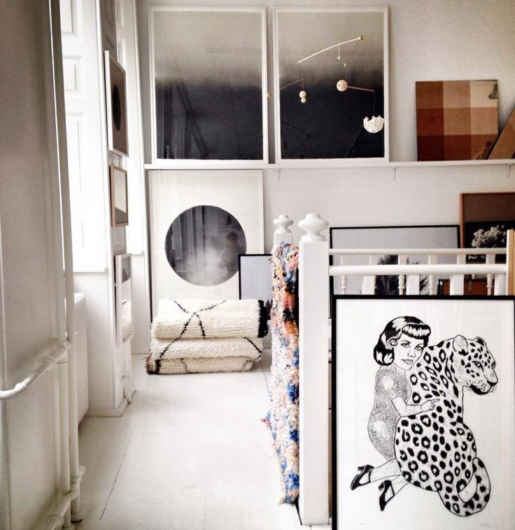 Leopard and girl. Lino print by Monika Petersen in stillebenshop copenhagen