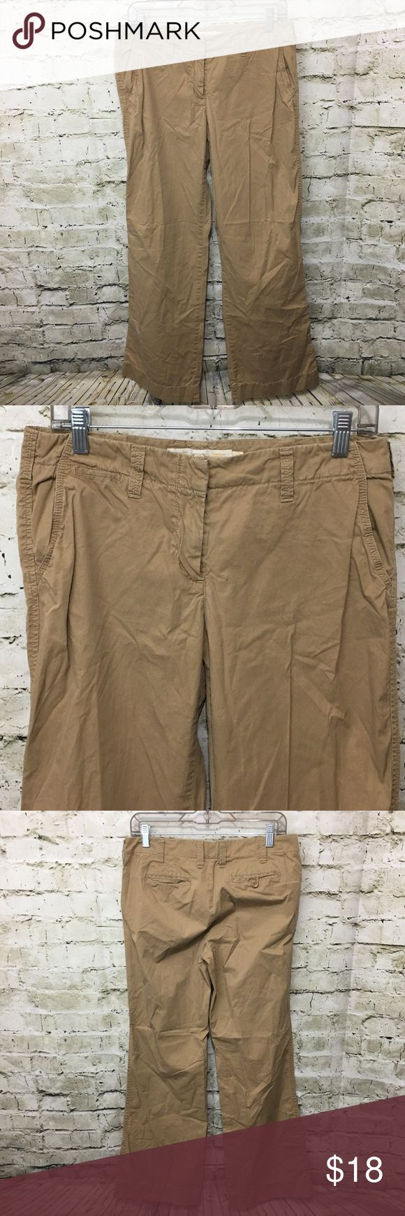 """J Crew City Fit Chino Khaki Pants J Crew Women's Broken in City Fit Chino Pants Size 6 Regular in good used condition with no flaws.  Measurements: Waist: 15.5"""" Rise: 9"""" Inseam: 31"""" J. Crew Pants Wide Leg"""