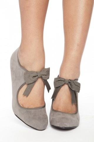 not usually one to 'swoon' over shoes... but geeze - i want these. really really bad.