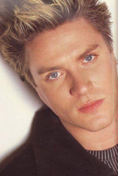 Simon Le Bon <-- Duran Duran...my fave band when I was in High school!