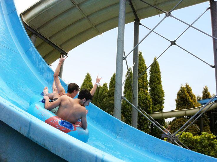 """¿Quien dijo que los #martes eran un """"rollo""""? Todos los días son una fiesta en el Aquapark Cerceda :) ¿Te vienes?"""