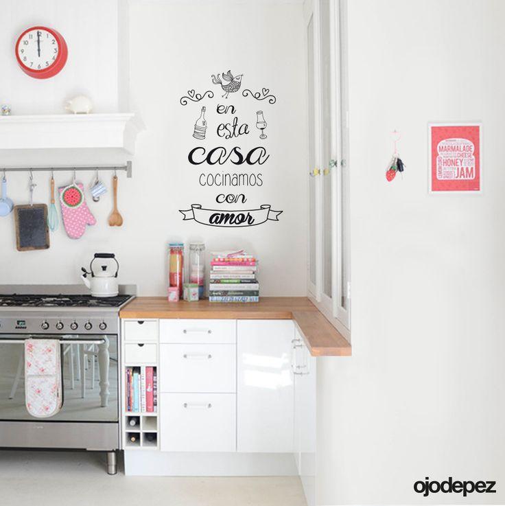 Vinilos decorativo frase 013 en esta casa cocinamos con for Stickers vinilos decorativos