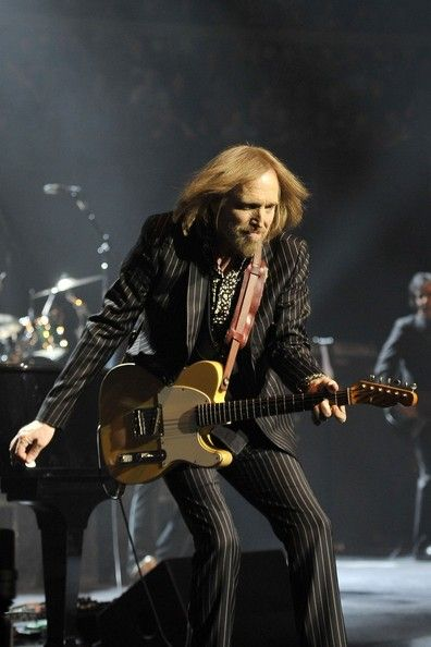 Tom Petty Tom Petty and the Heartbreakers Photos - Tom Petty and the Heartbreakers perform live in concert at Royal Albert Hall in Kensington, London. The classic rock band were performing in their first British gigs in 13 years. - Tom Petty and the Heartbreakers at Royal Albert Hall in London