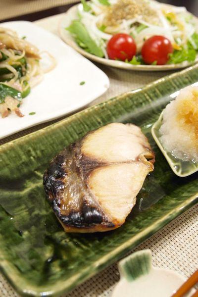 和食】地味滋味!鰆の塩焼き&豚ニラもやし炒め&水菜とカリカリじゃ ...