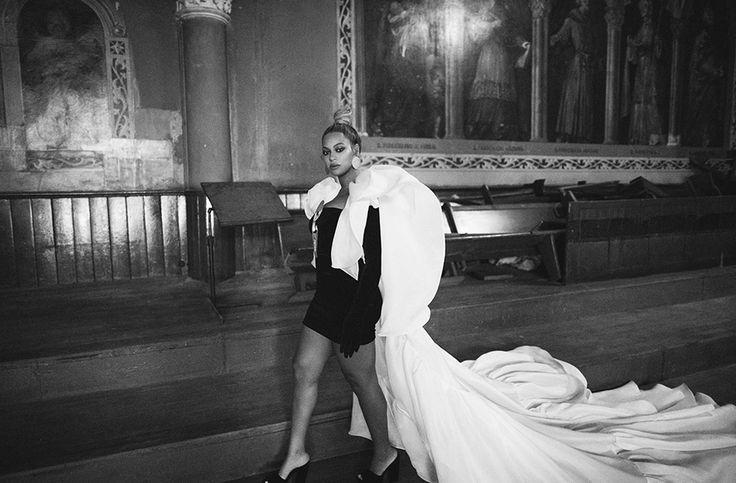 Beyoncé:Styling: Marni Senofonte, Atelier: Timothy White, Make-Up: Sir John, Hair: Neal Farinah Dress: Stephane Rolland Couture - Family Feud My Life 29th December 2017