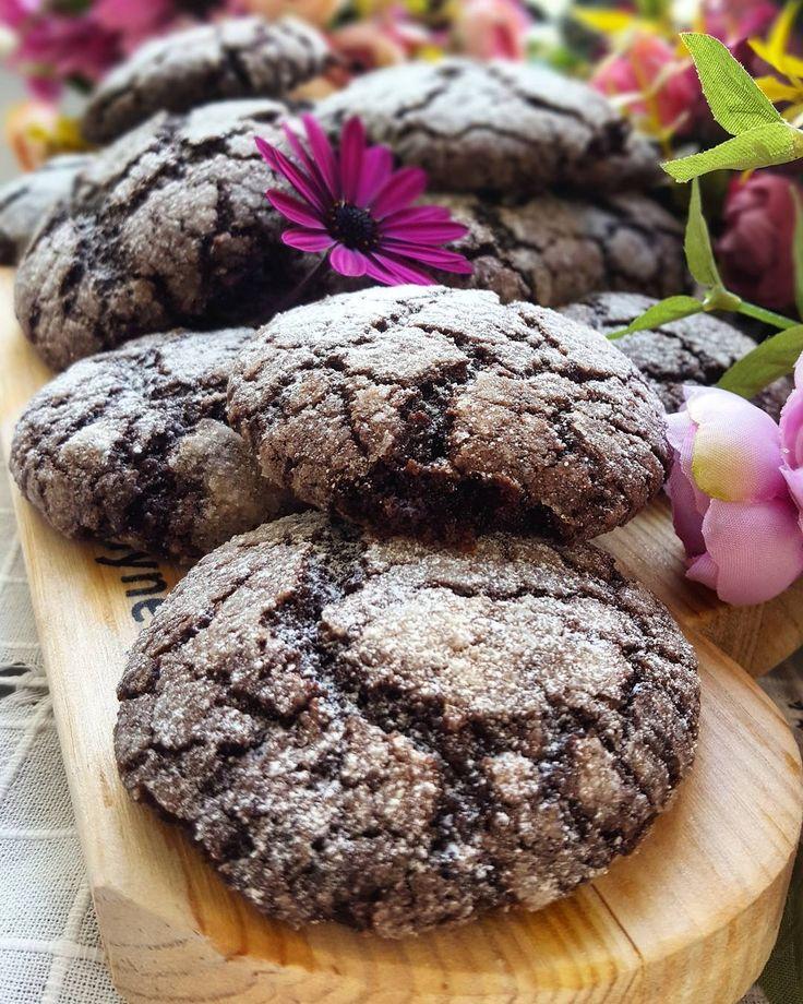 """867 Beğenme, 20 Yorum - Instagram'da Arzu Erciyas (@arzuerciyas): """"Merhabalaaar. Mutlu huzurlu bir hafta diliyoruuum.Bu kurabiyeye bayilacaksiniz.Kakaolu Catlak…"""""""