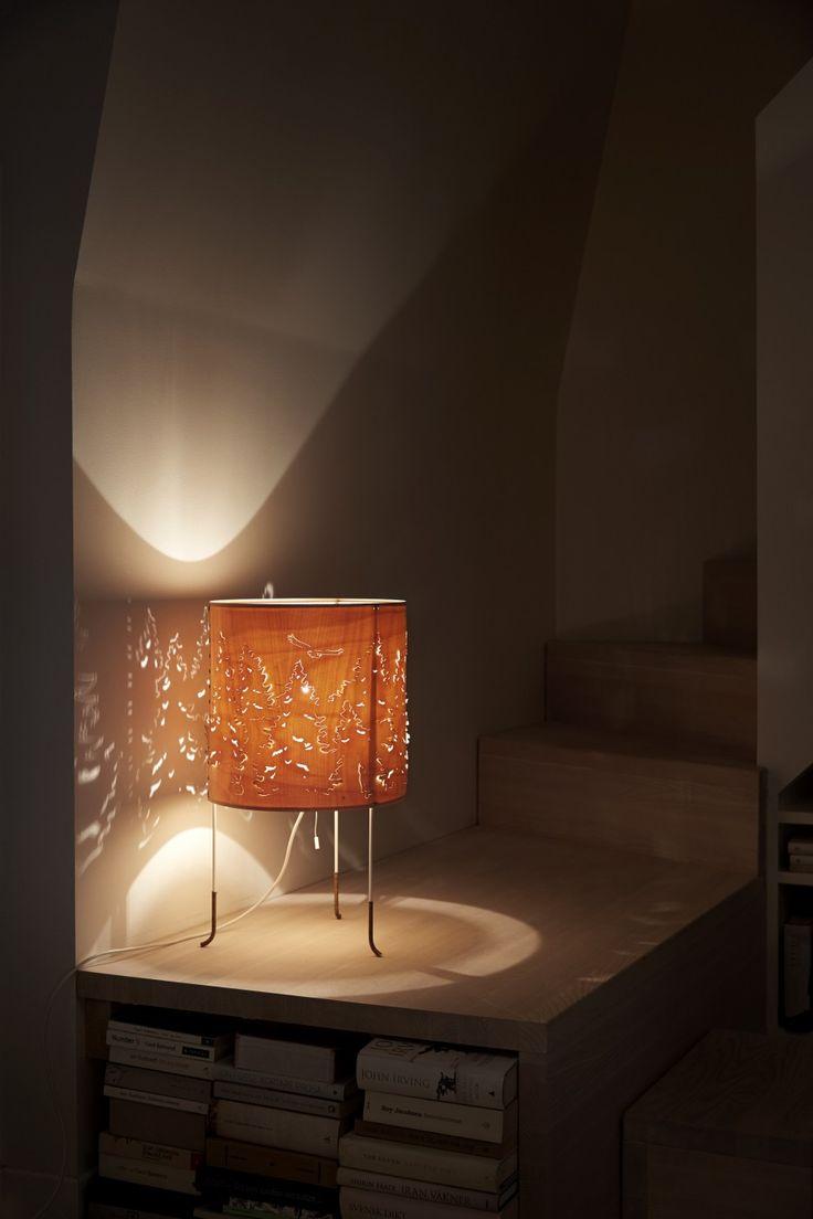 Lampe: Norwegian Forest bordlampe Designer: Cathrine Kullberg Leverandør: northern lighting År: 2007