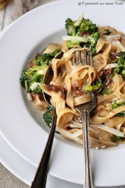Experimente aus meiner Küche: One Pot Pasta mit Brokkoli und getrockneten Tomaten